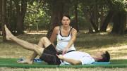 Istezanje trbušnih mišića u ležećem položaju – Vježbe rehabilitacije